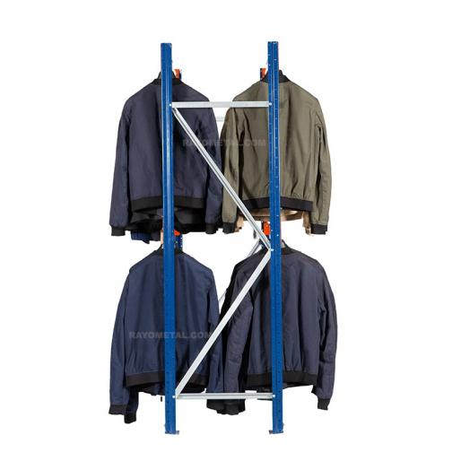 Vue de face du rayonnage pour vêtements à double penderie pour un gain de place assuré.