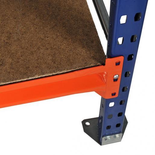 Zoom d'un niveau composé de 2 lisses à feuillure orange et d'un plancher bois.